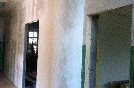Realizzazione parete divisoria - Scuola Calosso (AT)